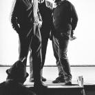 """Franco Coggiola con Policarpo Lanzi e Michele L. Straniero durante le prove dello spettacolo """"Domani Alessandria ieri, oggi noi"""" al Teatro di via Vescovado di Alessandria nel 1968. Foto © Gianmaria Vergano"""