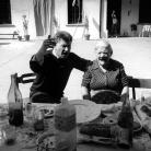 """Franco con Genia Azzali, alla cascina del """"Micio"""", Gianfranco Azzali, a Pontirolo, 1995"""
