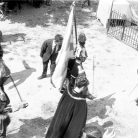 La Banda di Cinquecerri di Ligonchio, maggerini e Romolo Fioroni alla Carbonaia – Campagna di ricerca sui Maggi – Costabona 1966 – Foto © Giorgio Vezzani